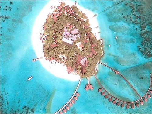 Остров-жук (вид из космоса)