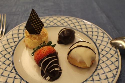 Десерт в ресторане отеля