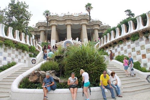 Лестница в парке Гуэля