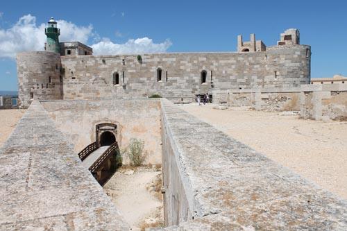 Замок Кастелло Маниаче