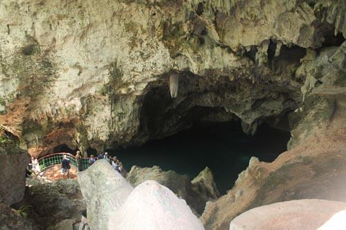Пещера трех охос в Доминикане
