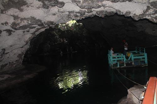 Путь к четвертому озеру в пещере трех охос