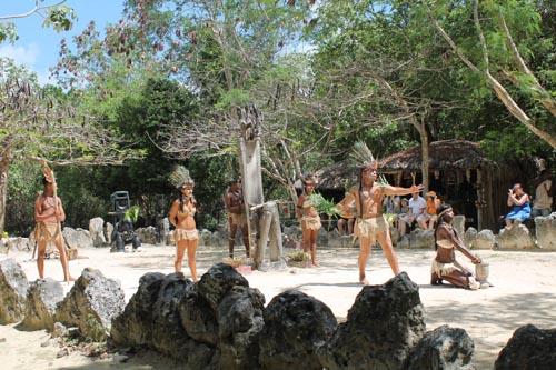 Шоу таинов в Манати парке