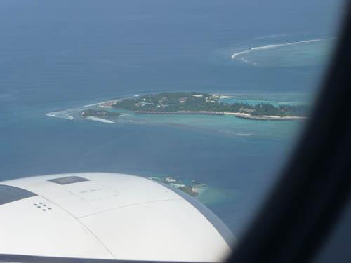 Вид из самолета на Мальдивские острова