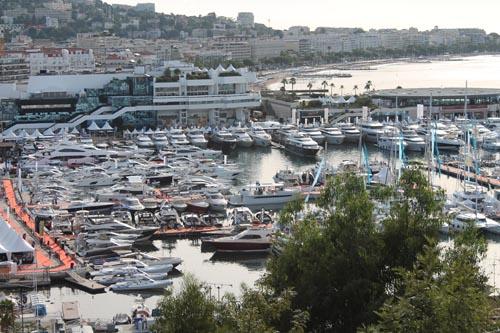 Выставка-продажа яхт в Каннах