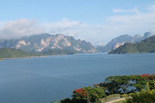 Утро на озере Чео Лан