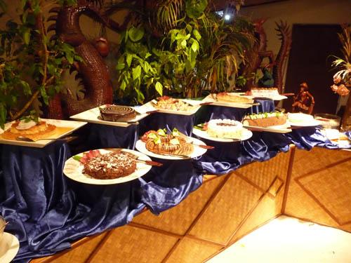Десерты в ресторане на Мальдивах
