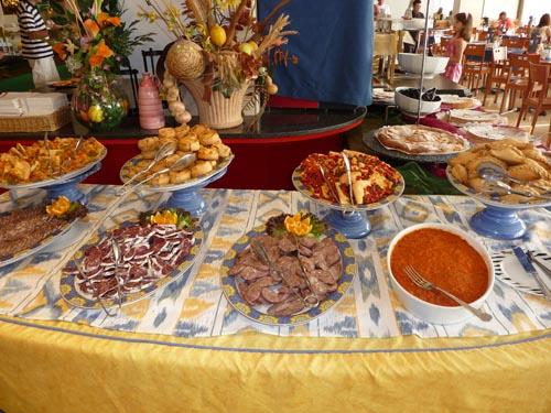 Стол национальной кухни на Майорке
