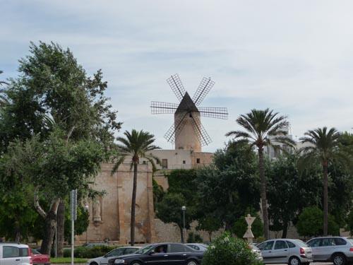 Вертяная мельница на Мальорке