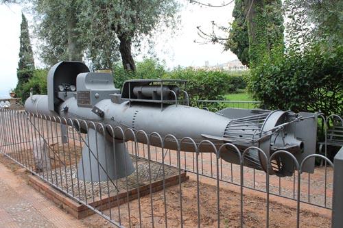 Торпедный аппарат в парке Таормины