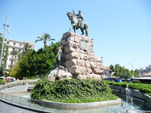 Мужик на коне в Испании