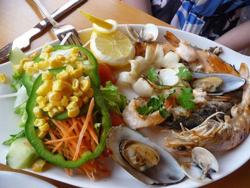 Еда в кафе на Тенерифе